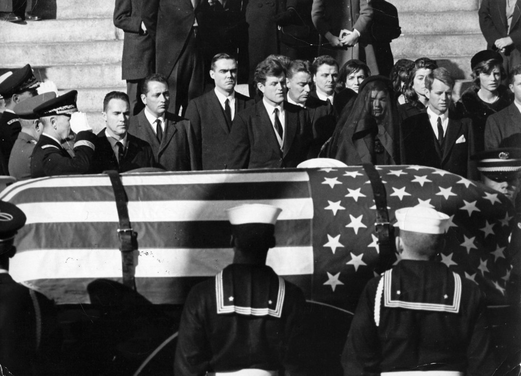 . Family and friends view Kennedy\'s casket. Keystone/Getty Images