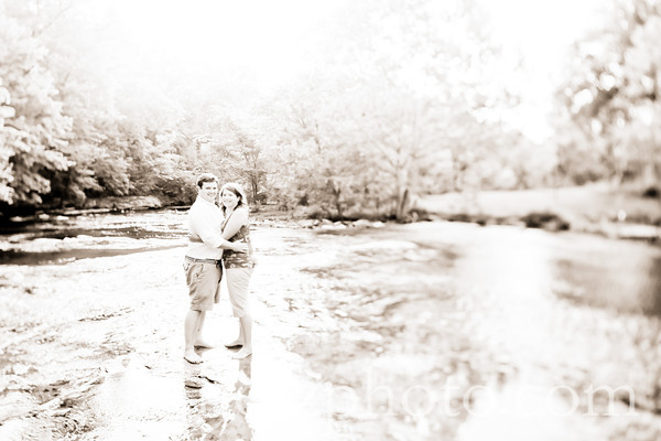 Heather and Bret :: Louisville Ky Engagement Photos