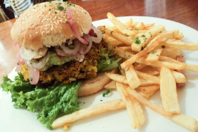 cusco-veg-burger_5583641163_o.jpg