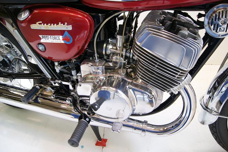 1968T500 4-10 036.JPG