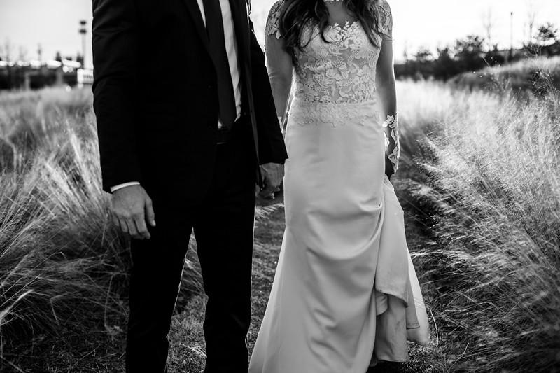 Kate&Josh_B&W_ZACH.WATHEN.PHOTOGRAPHER-461.jpg