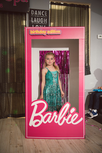2020-0104-delaney-barbie-party-37.jpg