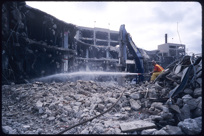 Demolition of Sears at Pico Boulevard and San Vicente Boulevard, Los Angeles, 2005