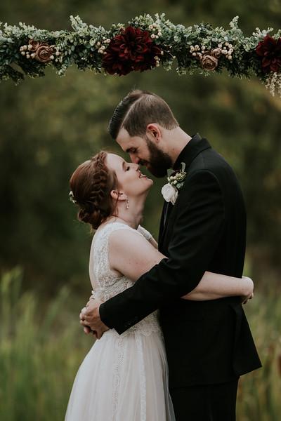 rustic_ohio__fall_barn_wedding-314.jpg