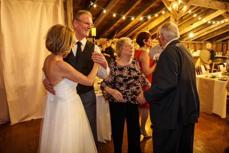20190601-190906_[Deb and Steve - the reception]_0497.jpg