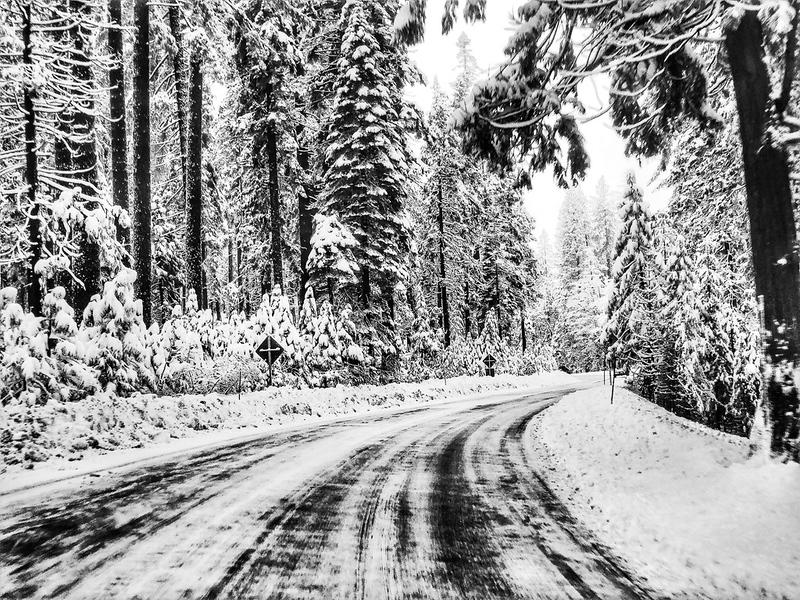 Donner Summit, Sierra Nevada Mountains winter road