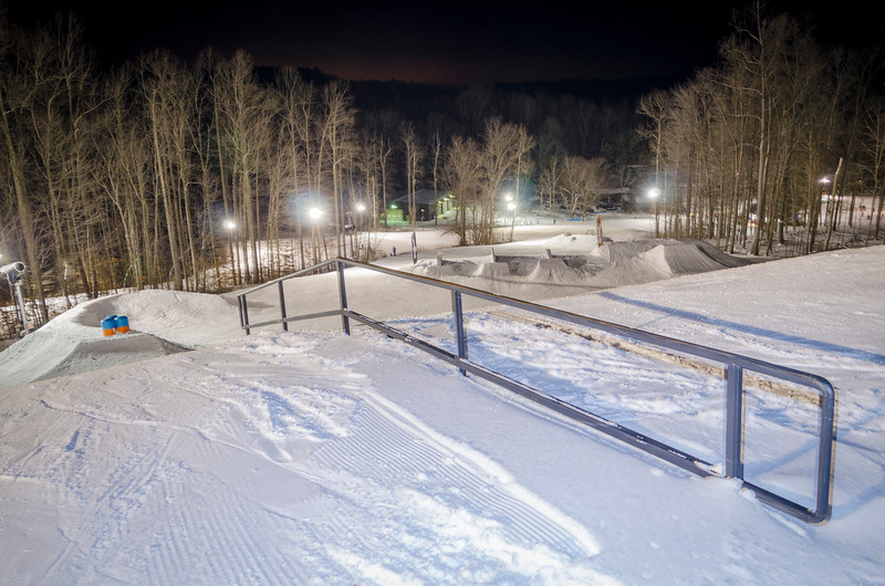 Nighttime-Rail-Jam_Snow-Trails-48.jpg
