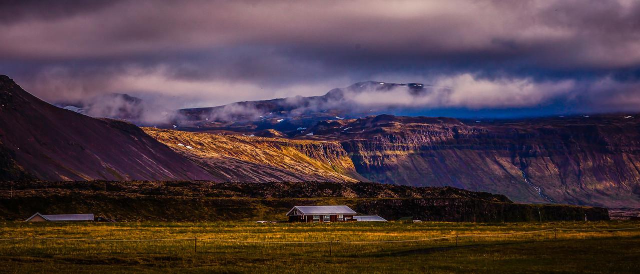 冰岛Arnarstapi,远处的景色