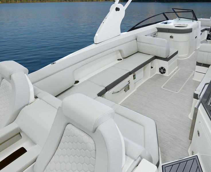 SDX 290 Stone Port Cockpit.jpg