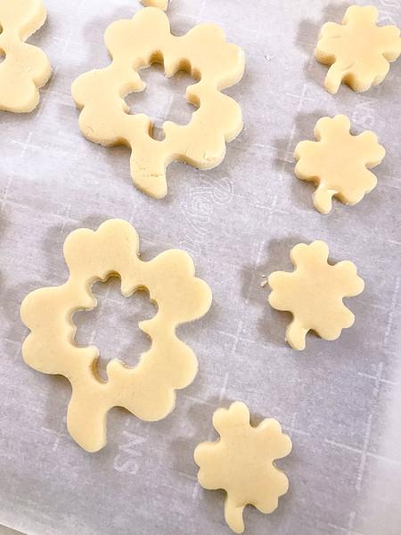 st_patricks_stained_glass_cookies_prep-2.jpg