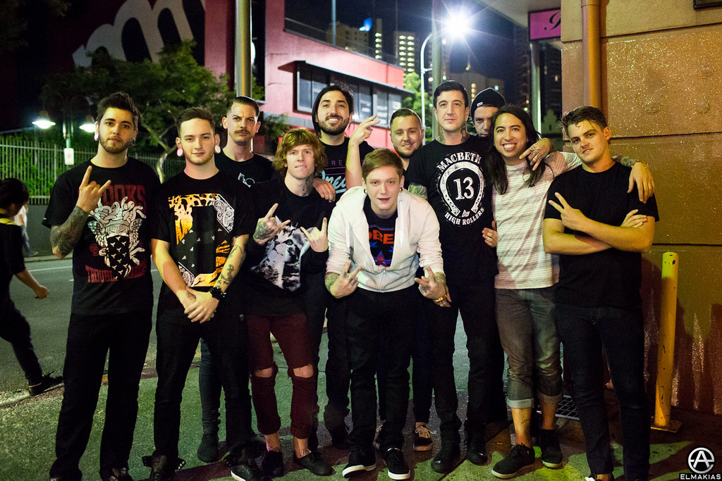Of Mice & Men, Amity Affliction & Woe Is Me hanging outside the bar