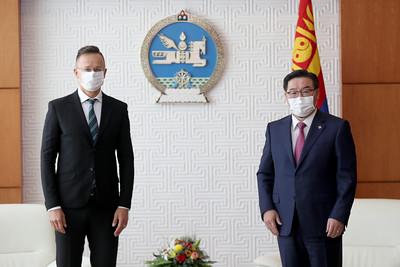 Унгар улсын Гадаад хэрэг, худалдааны сайд П.Сияяарто Монгол Улсад айлчилж байна