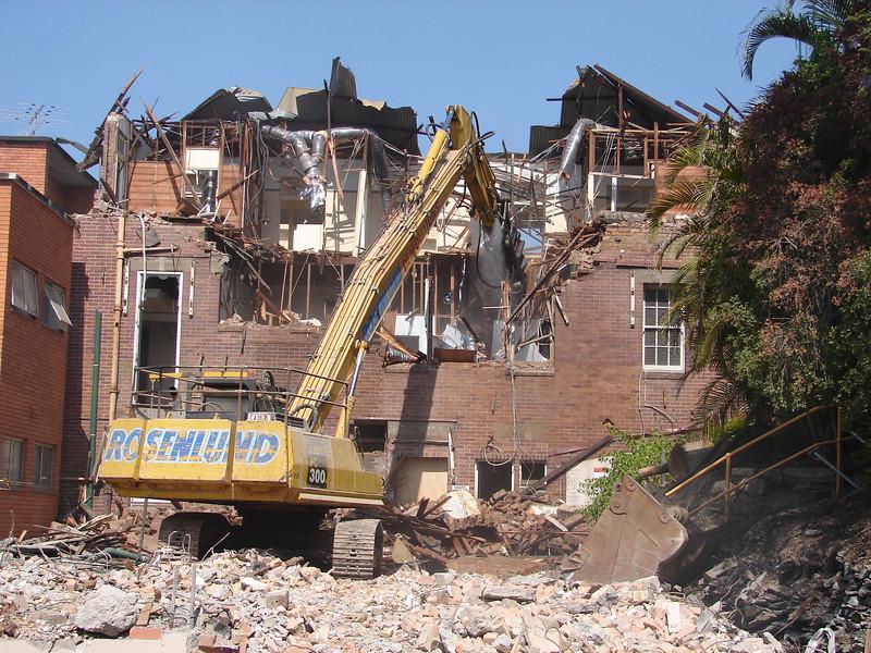 Chaplin Building demolition 020.jpg