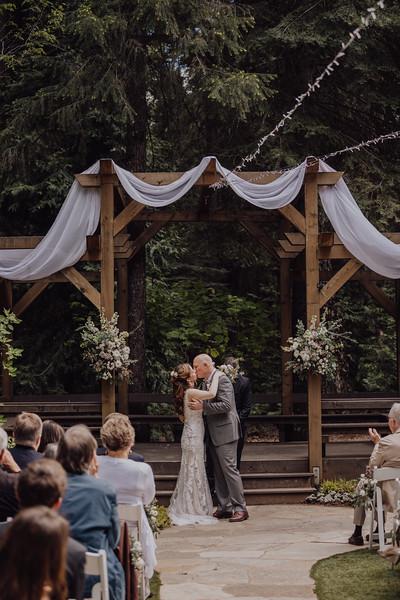 2018-05-12_ROEDER_JulieSeth_Wedding_ROEDER2_0052.jpg