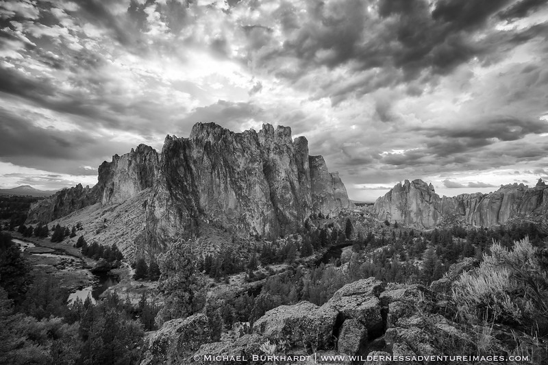 Smith_Rock_State_Park_Storm_Black_and_White_336.jpg