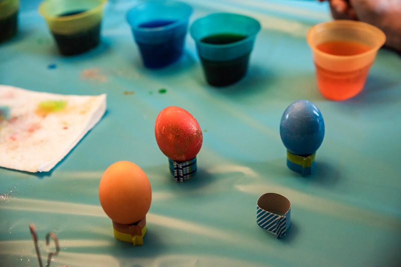 Easter Egg Dying 2020-9620.jpg