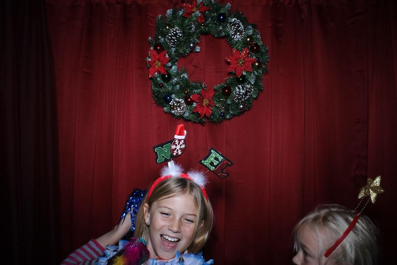 Good Shepard Lutheran School Christmas Boutique 2014-30.jpg