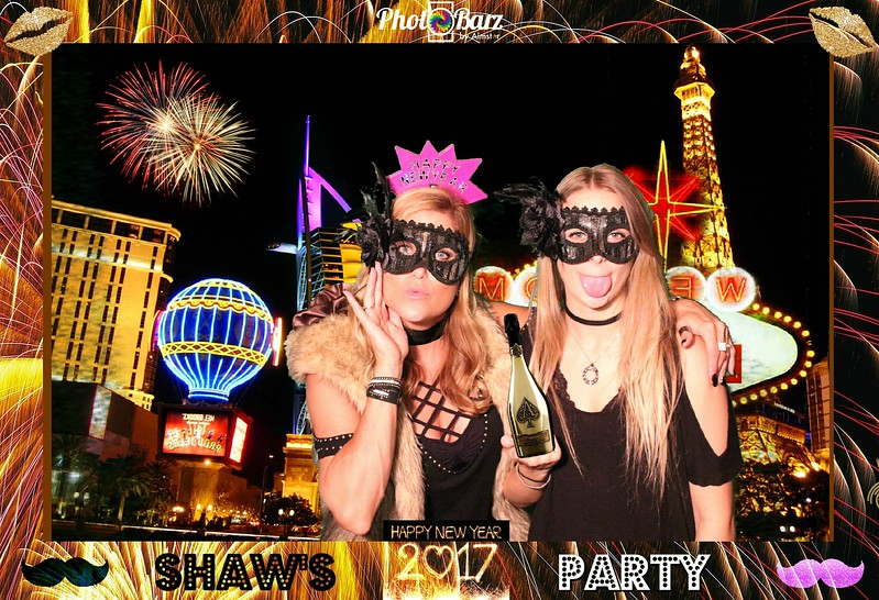 Shaws NYDay Party (16).jpg