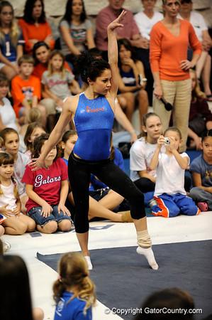 Photo Gallery: UF Gymnastics Fan Day, 1/4/09
