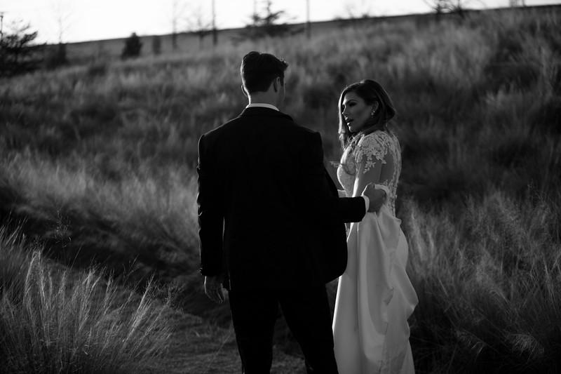 Kate&Josh_B&W_ZACH.WATHEN.PHOTOGRAPHER-419.jpg