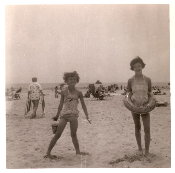 1957_mom_barb_beach.jpg
