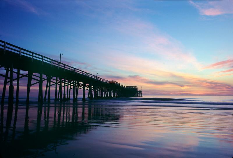 Newport Beach Pier.jpg