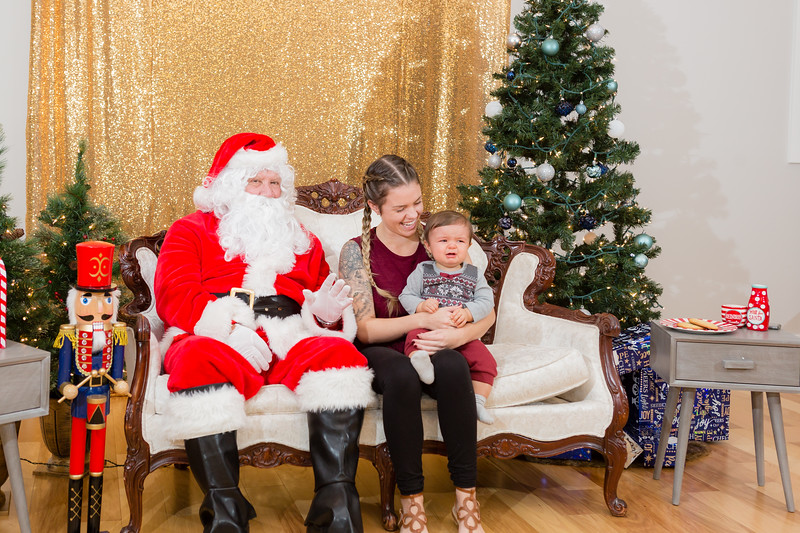 FADS Picture with Santa-264.jpg