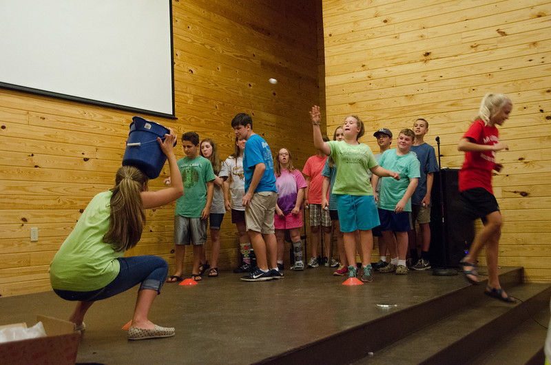 2014JrHighRetreat (22 of 215).jpg