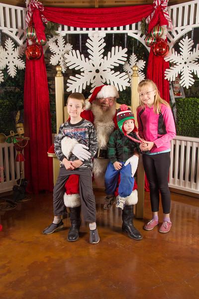 Santa 12-16-17-38.jpg
