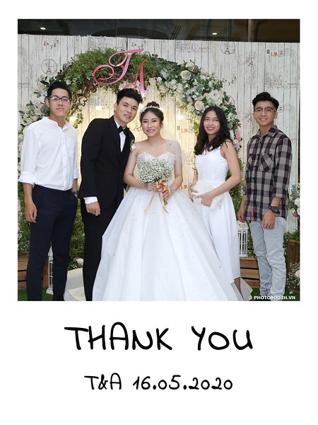 TA-wedding-instant-print-photo-booth-at-Revierside-Palace-Quan-4-Chup-hinh-in-anh-lay-lien-Tiec-Cuoi-020.jpg