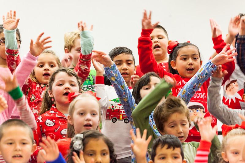 Christmas First Grade-35.jpg