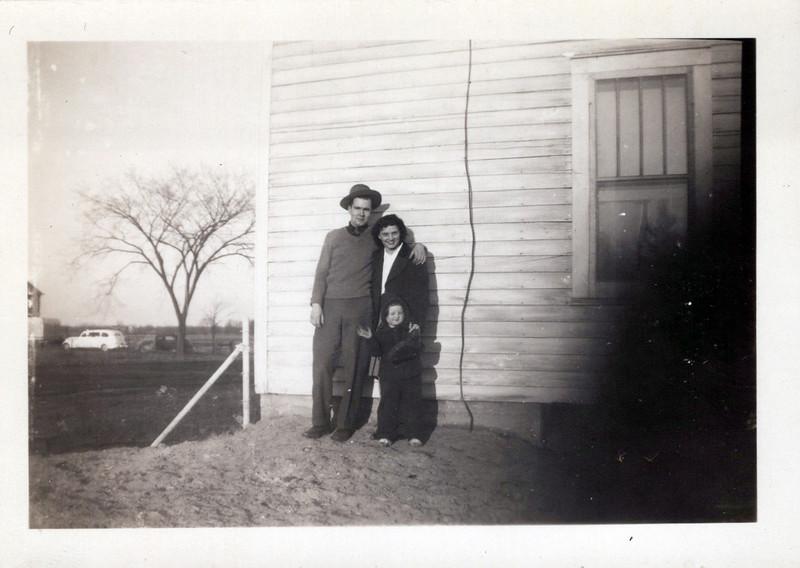 1945 Mel Guyla and Bonnie.jpeg