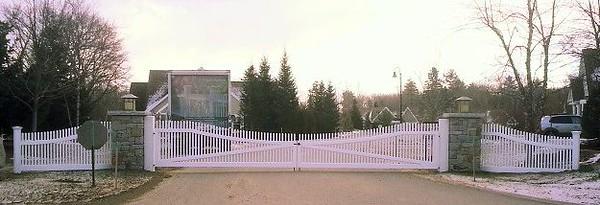961 - Camden ME - Chestnut Hill Driveway Gates