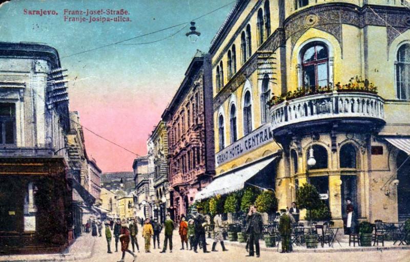 Hotel Central, 1915. godine