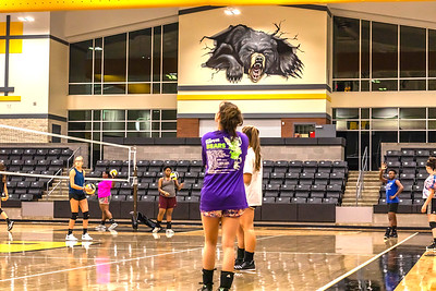 """Timpson Lady Bears kick off season with """"Midnight Madness"""" practice session"""