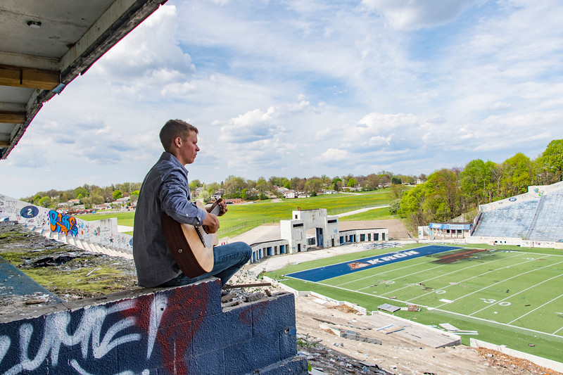 Andrew-Guitar2-Rubber-bowl-spring-pressbox.jpg