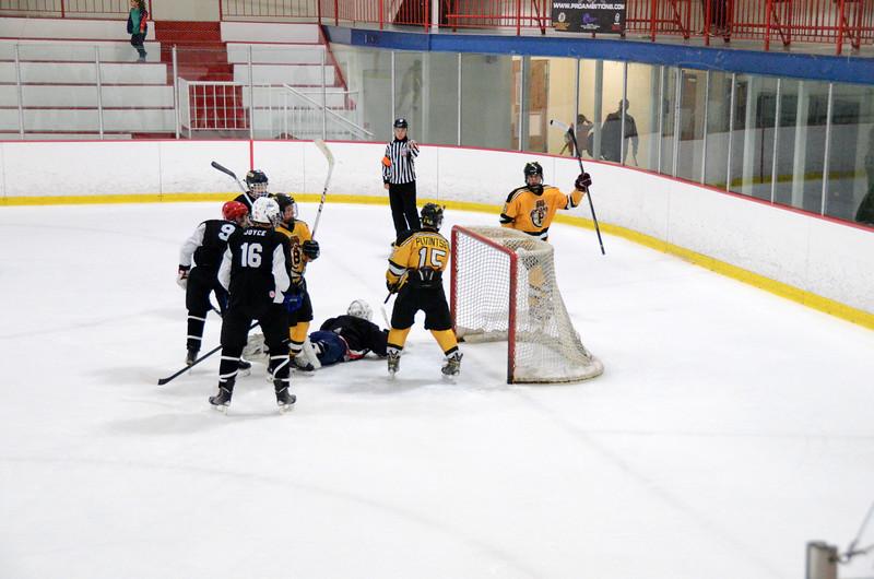 140913 Jr. Bruins vs. 495 Stars-031.JPG