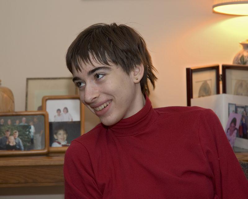 Beth shares a laugh   (Nov 26, 2004, 03:20pm)