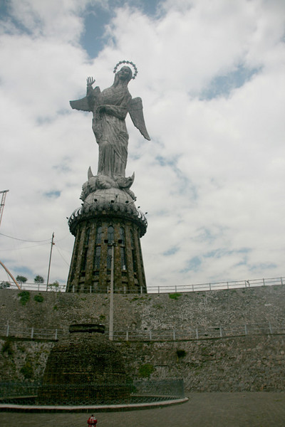 Statue of the Winged Virgin of Quito (148 flt)