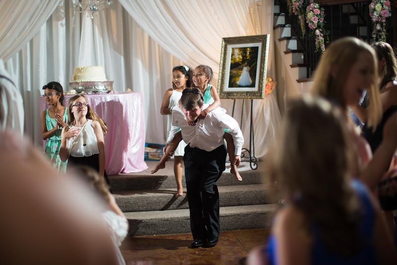 1072_Josh+Lindsey_Wedding.jpg
