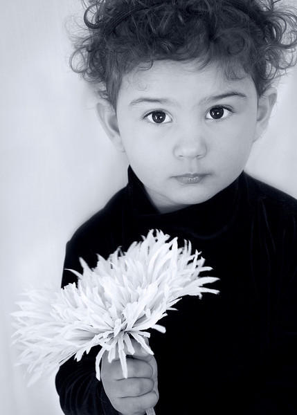 photo audra w flower BW 5x7.jpg