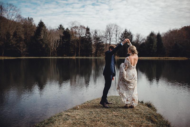 Requiem Images - Luxury Boho Winter Mountain Intimate Wedding - Seven Springs - Laurel Highlands - Blake Holly -692.jpg