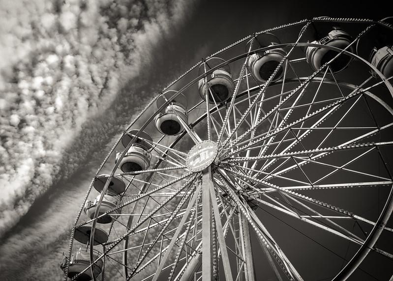 Ferris wheel bw 2553-2553.jpg