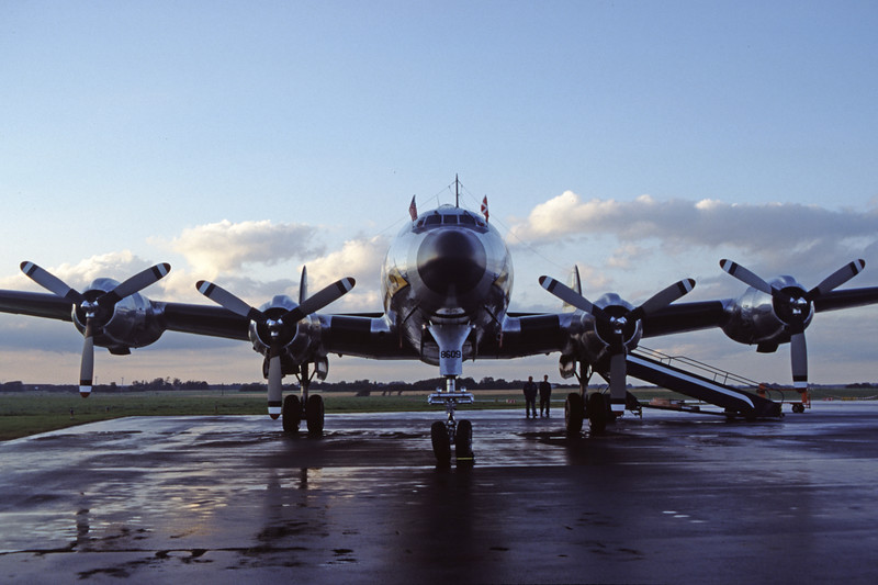 N494TW-LockheedC-121AConstellation-Private-EKEB-1998-08-31-FQ-42-KBVPCollection.jpg