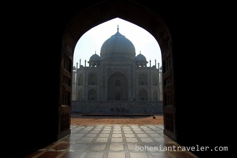 Taj Mahal framed into the sun (4).jpg