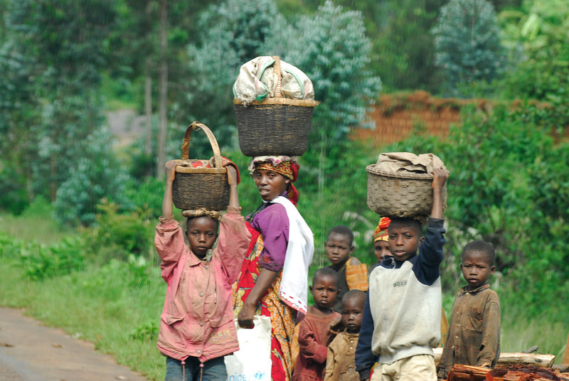 070116 4573 Burundi - on the road to Source of the Nile _E _L ~E ~L.JPG