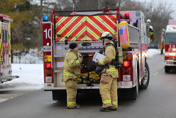 NORTHBROOK, IL CODE 4 WORKING FIRE RESPONSE 2225 GREENVIEW DR  02-09-2015  2ND SHIFT