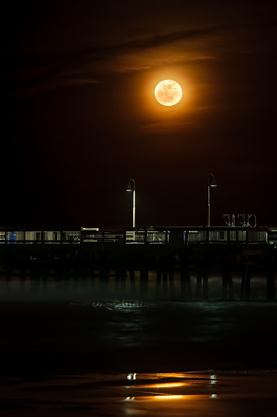 Perigee-Moon-Over-Sandbridge-L.jpg