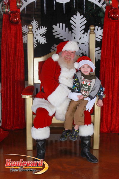 Santa 12-17-16-89.jpg