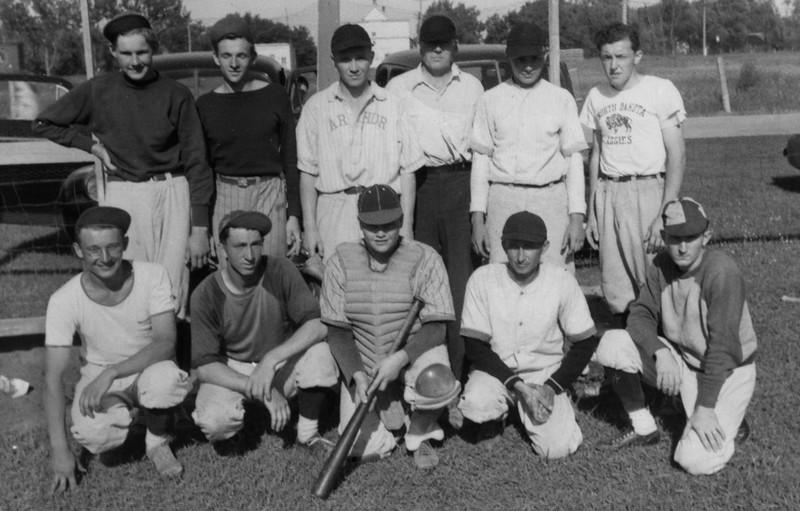 AR034.  Arthur baseball team – F- Harry, Orville Iwen, Alvin.jpg
